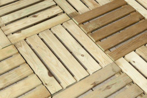 Que suelo elegir para la terraza suelo baldosa madera