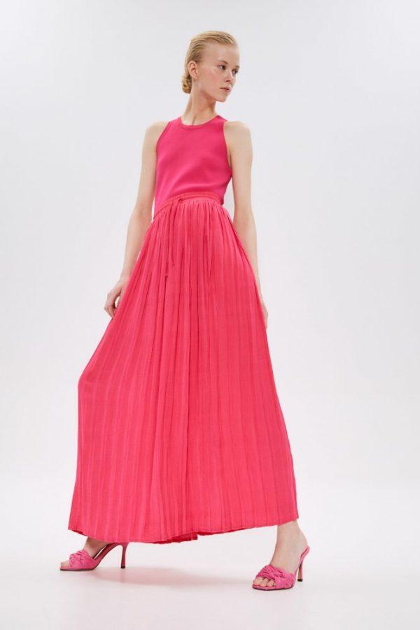 Catalogo Sfera primavera verano 2021 falda plisada rosa