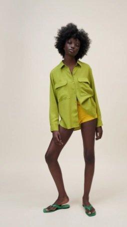 camisa fluida con bolsillos Zara