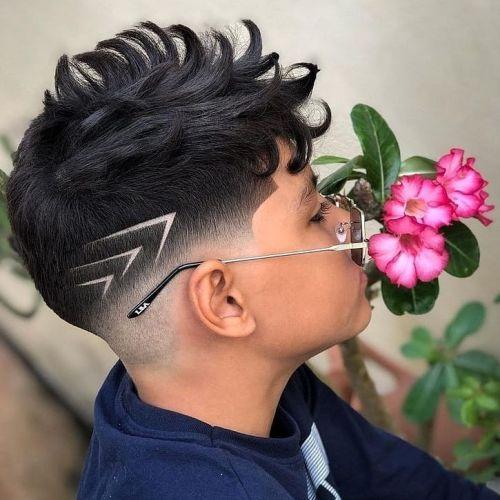Corte de pelo moderno hombre con degradado y tipo cepillo