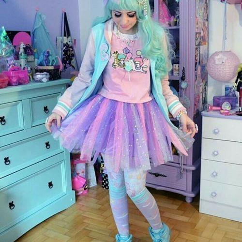 Look Kidcore falda y peluca azul