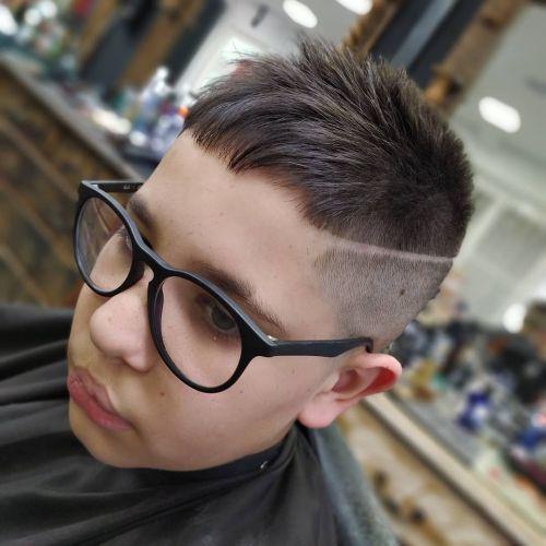 Corte de pelo niño moderno