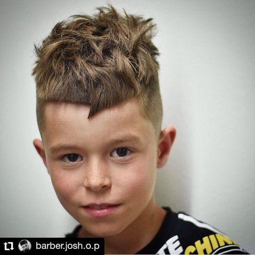 Corte de pelo a capas niño