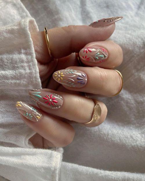 Uñas con textura de flores de colores