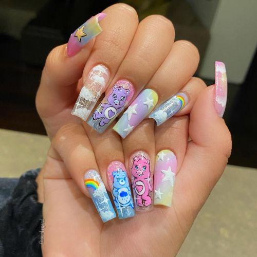 Uñas de porcelana en colores y arcoiris