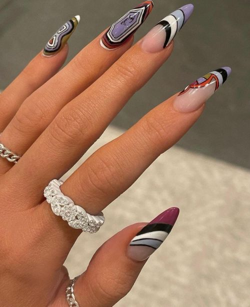 Nail art uñas bordes de colores