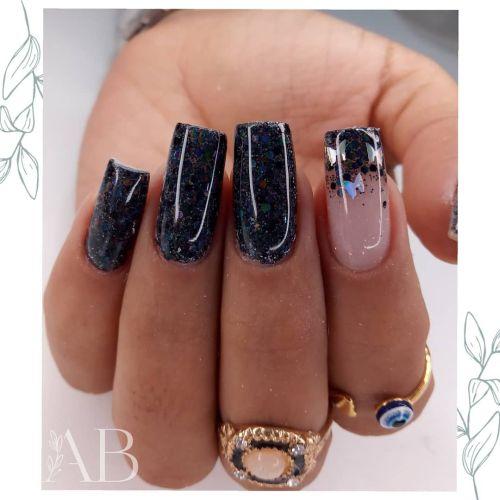 Uñas negras de corte recto