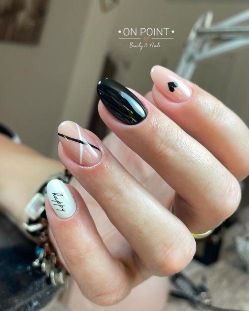 Uñas combinadas negro y rosa