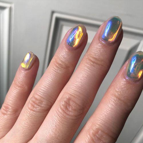 Uñas de vidrio efecto irisdiccente