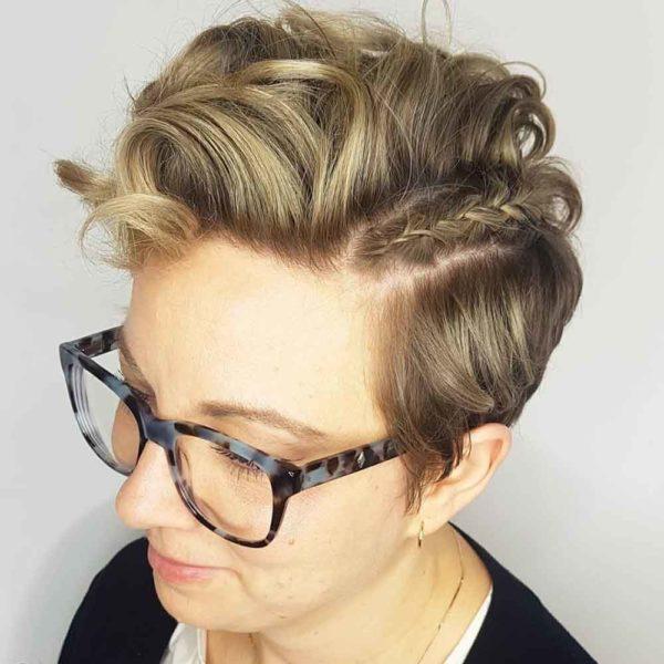Peinados para dejar crecerte el pelo peinado de lado con trenza