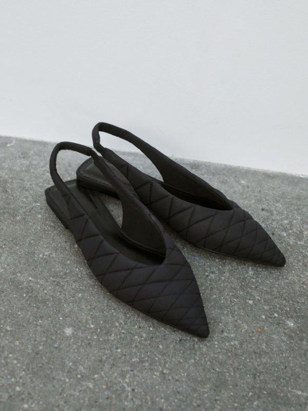 Catalogo Parfois Otoño Invierno 2021 2022 calzado bailarinas acolchadas