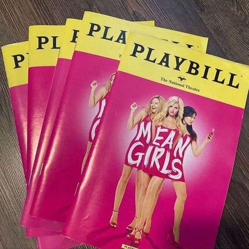 Revista playbill Mean Girls