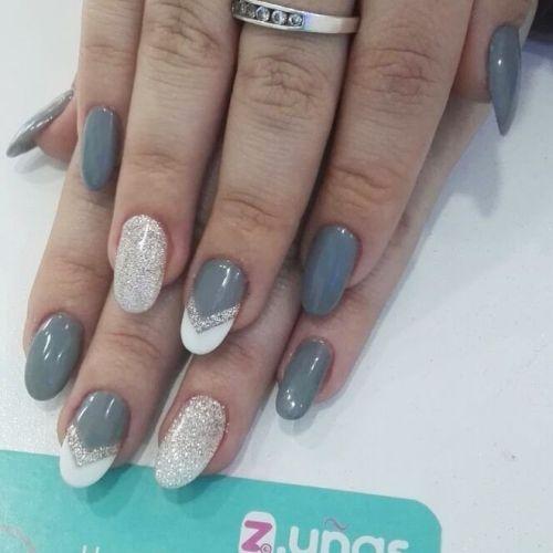 Uñas gris con blanco