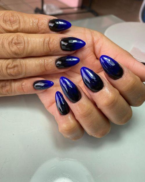 Uñas azul intenso
