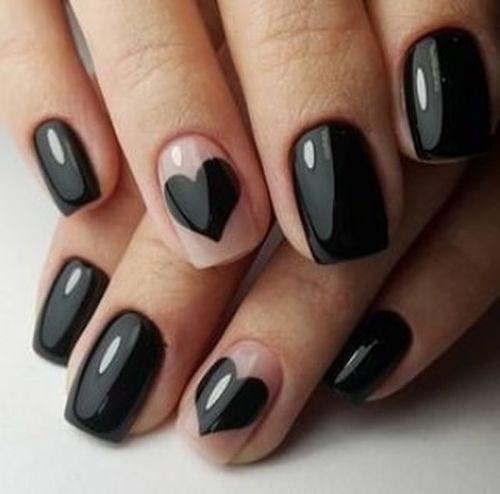 Uñas negras corazón