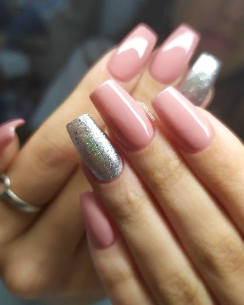 Uñas rosa y plata