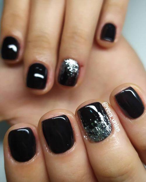 Uñas negras con plata