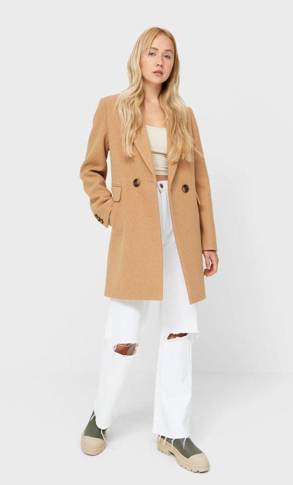 Abrigo básico beige Stradivarius