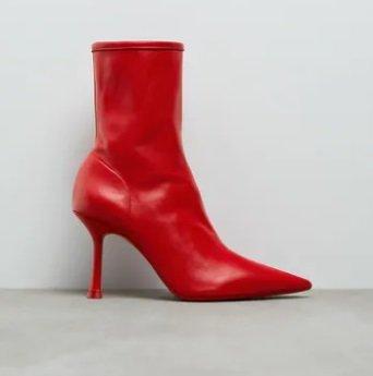 Botines tacón rojo Zara