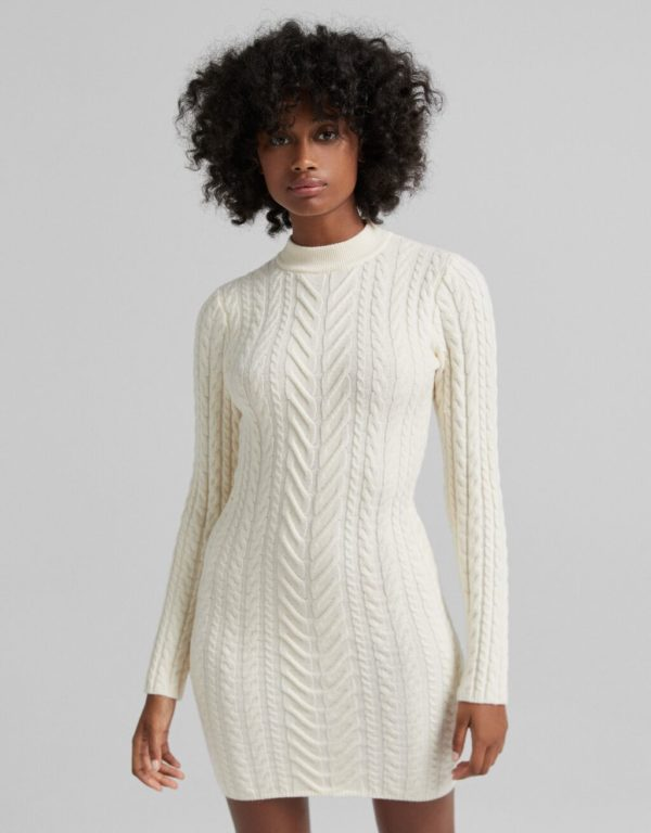 Catalogo vestidos bershka otoño invierno 2021 2022 VESTIDOS CORTOS modelo punto blanco