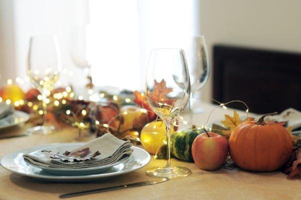 Como decorar una mesa de accion de gracias naturaleza
