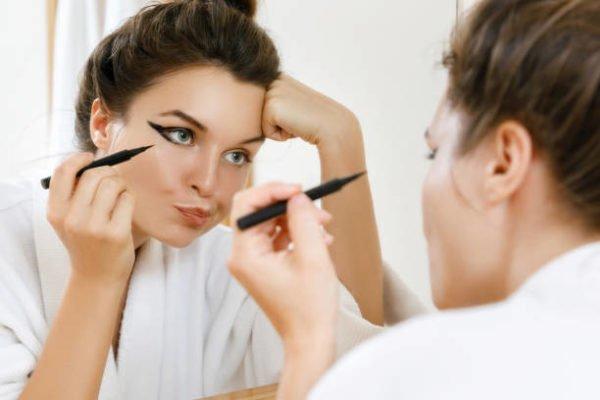 Como hacer un eyeliner perfecto 2