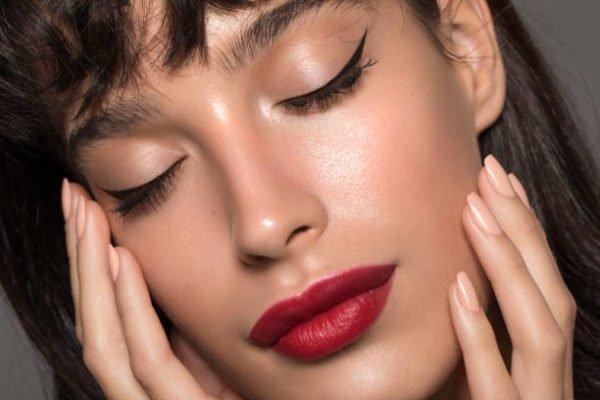 Como hacer un eyeliner perfecto 4