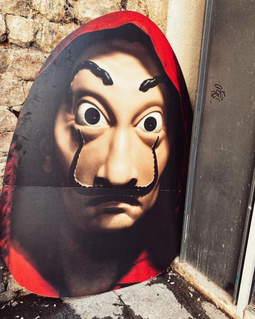 Disfraz con careta de Dalí