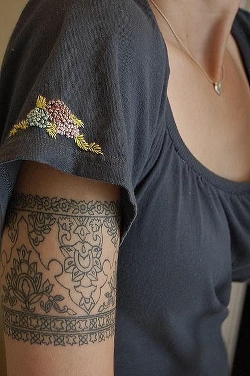Tatuajes encaje brazo
