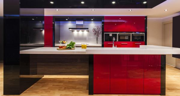 ultimas-tendencias-cocinas-2016-muebles-rojos
