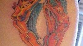 Tatuaje del bien y el mal