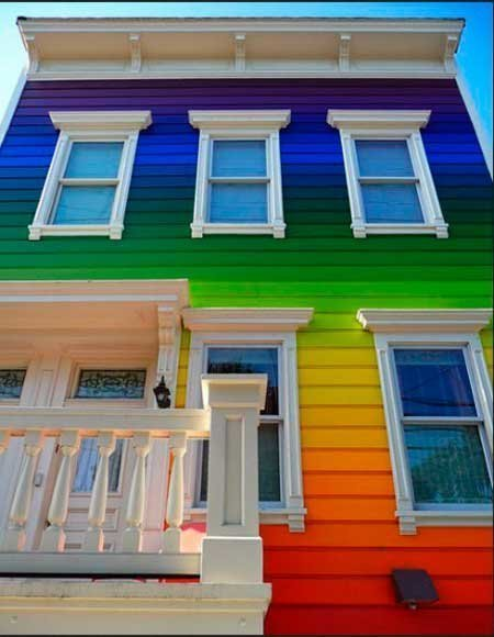 20-fotos-e-ideas-colores-fachadas-casas-exteriores-fachada-con-un-arcoiris