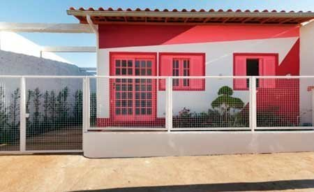 20-fotos-e-ideas-colores-fachadas-casas-exteriores-fachada-de-color-rojo-y-blanco