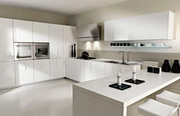De 30 fotos de decoraci n de cocinas blancas modernas for Fotos de cocinas modernas 2015