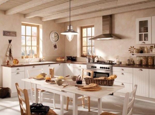 cocinas blancas rsticas u de estilo romntico con madera por todas partes