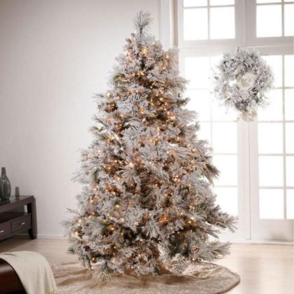 arboles-de-navidad-elegantes-en-blanco