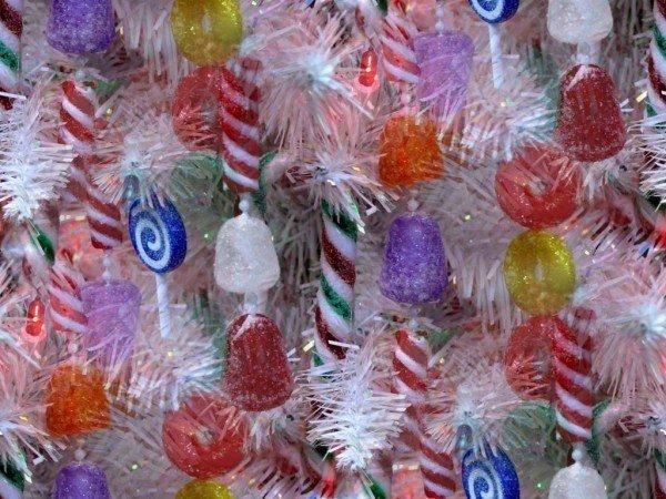 otras-ideas-para-decorar-el-arbol-de-navidad-golosinas