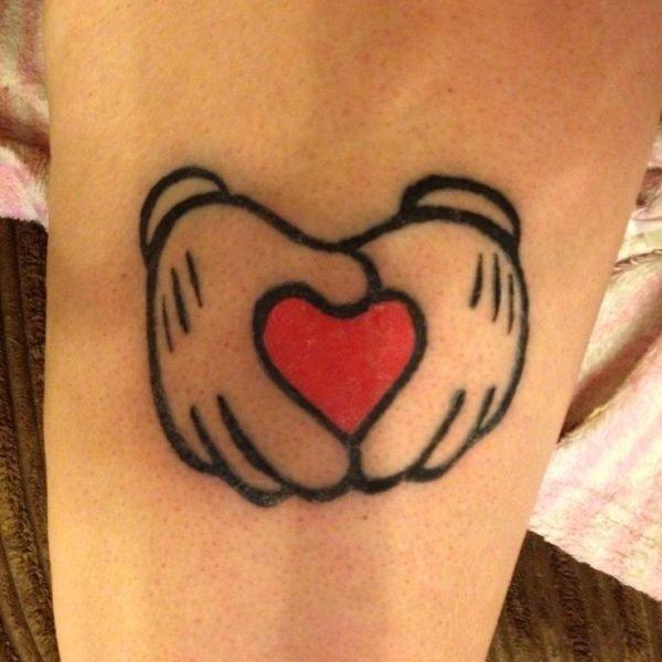 san-valentin-tatuajes-de-amor-corazones-disney-mickey