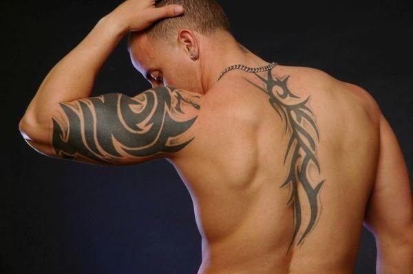 tatuajes-en-la-columna-vertebral-chicos