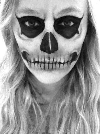maquillaje-halloween-calavera-ojos