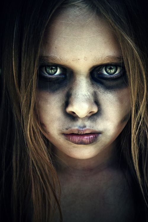 maquillaje-halloween-nina-muerta