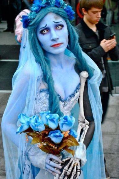 maquillaje-halloween-novia-cadaver-pelo-azul