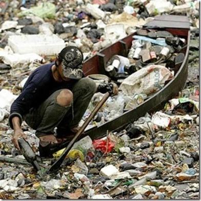 basura en lancha contaminacion