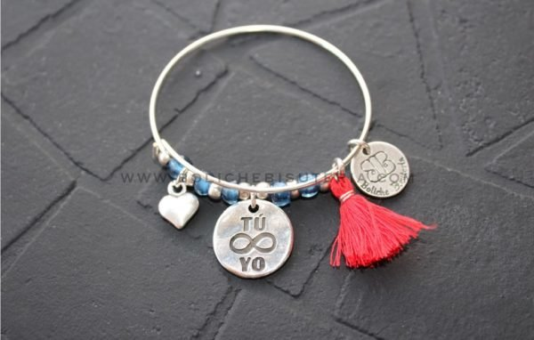 joyas-san-valentin-plata-pulseras-con-accesorios