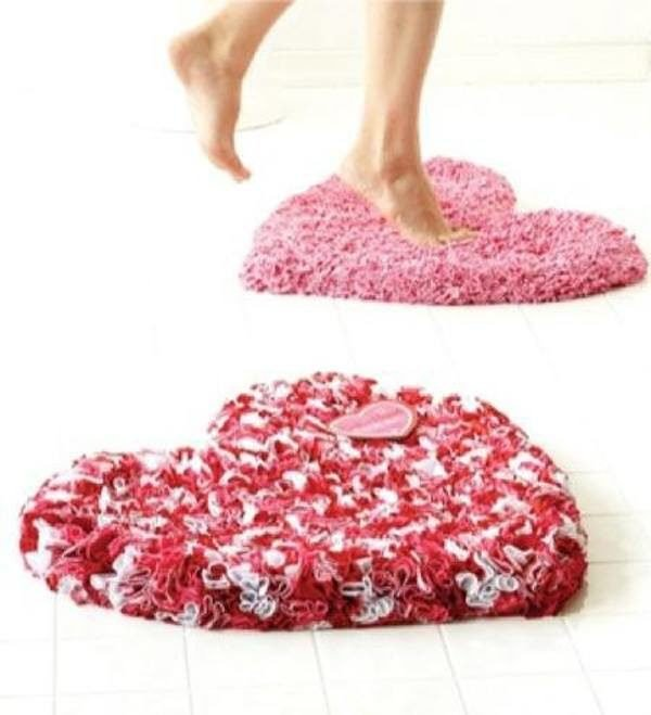 alfombra-de-bano-para-san-valentin-rosa-y-rojo