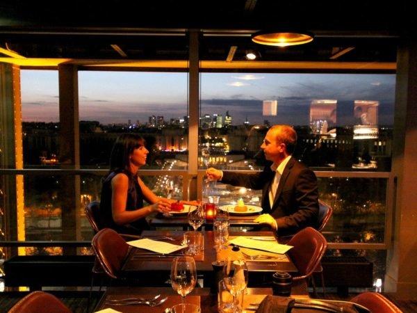 cena-san-valentin-planes-fuera-de-casa-torre-eiffel