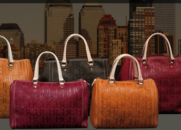 8d5559407fd4b Si bien los diseños de Carolina Herrera se caracterizan siempre por contar  con mucha elegancia y estilo, sus bolsos no podían ser menos, ya que la  firma ha ...