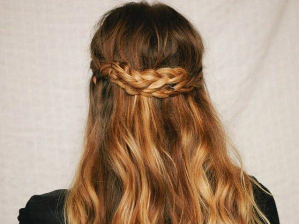 20-peinados-fáciles-y-rápidos-melena-suelta-trenza