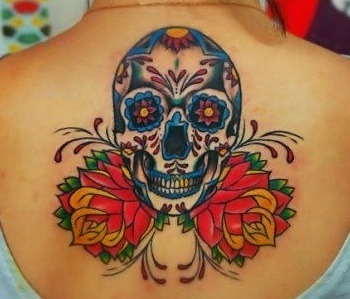 tatuajes-de-calaveras-mexicanas-color-espalda