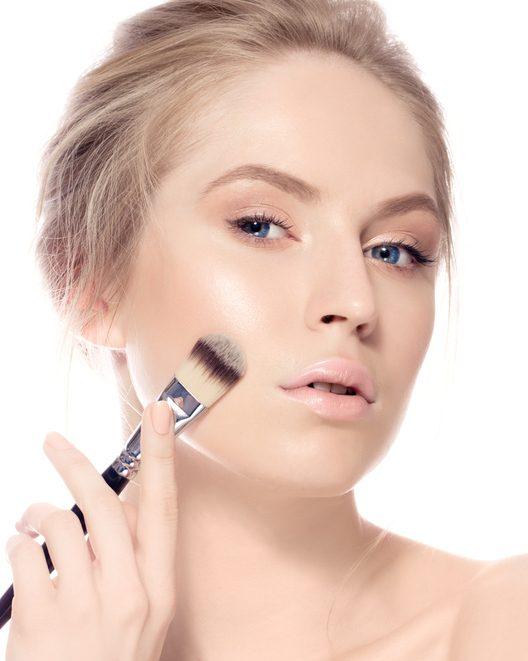 Maquillaje estilo natural base